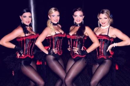 show-burlesque-despedidas-de-soltero-malaga-424x282-freshblue.jpg