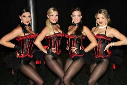 show-burlesque-despedidas-de-soltero-malaga-424x282.jpg